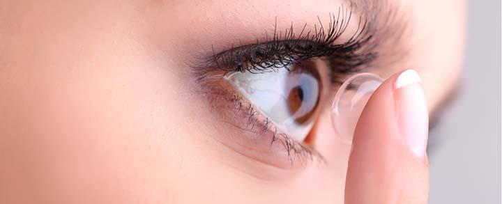 Pestel Optik in Dresden hilft Ihnen, die optimalen Kontaktlinsen für Ihre Augen zu finden.