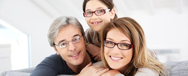 Das Angebot von Pestel Optik hilft der ganzen Familie für beschwerdefreies und angenehmes Sehen.