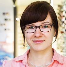 Katharina Burkhardt, Kontaktlinsenanpassung, Augenoptikermeisterin (Augenglasbestimmung, Korrektion von Winkelfehlsichtigkeit) Für Sie vor Ort: Mo., Di., Mi. & Do. 9-19 Uhr, Sa. 9-13 Uhr Mail: pestel(at)optik1833.de