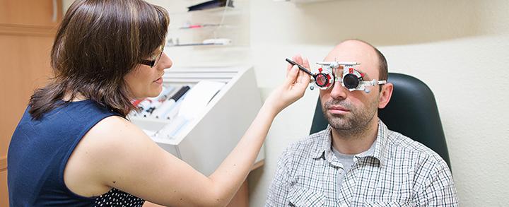 Pestel Optik in Dresden bestimmt jederzeit Ihre Werte für Brillen und Kontaktlinsen.